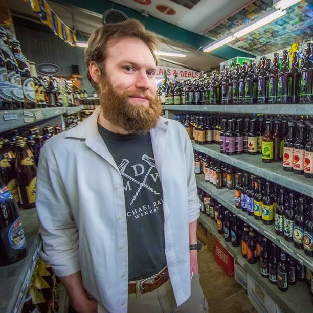 Jason Dennis : Beverage Warehouse - Manager & Craft Beer Kraken